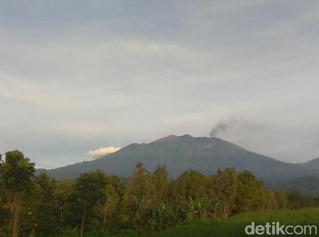Erupsi Gunung Raung Terus Menurun