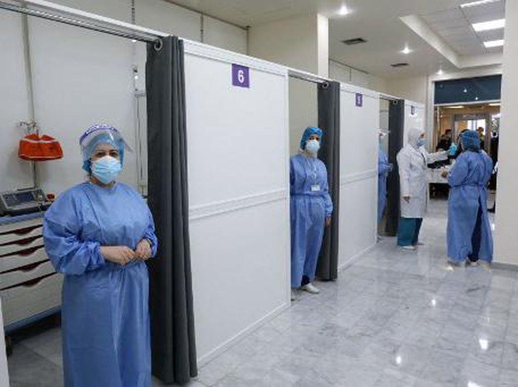 Prioritaskan Nakes, Lebanon Mulai Program Vaksinasi COVID-19