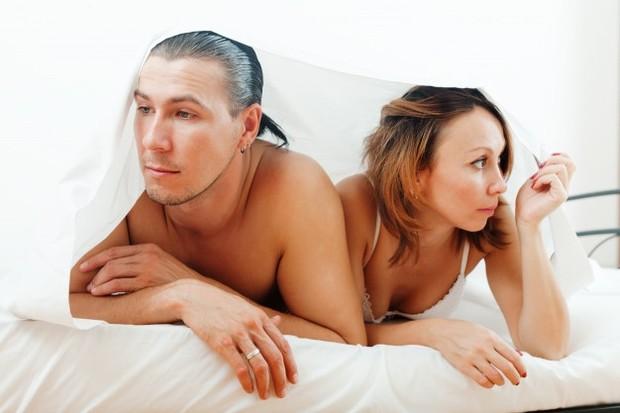 Masalah dorongan seksual juga dapat ditandai dengan adanya keretakan rumah tangga.