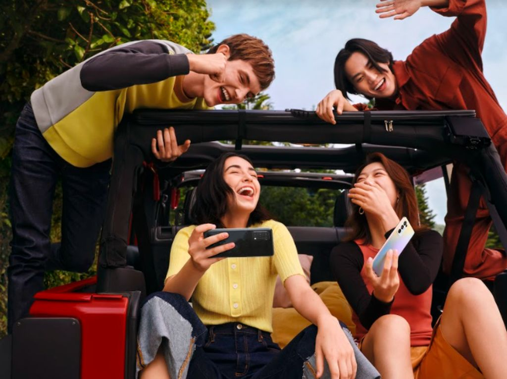 Abadikan Momen Staycation Seru dengan AI Mixed Portrait OPPO Reno5