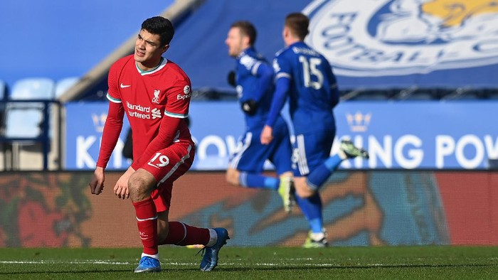 LEICESTER, ENGLAND - FEBRUARY 13: Ozan Kabak of Liverpool reacts after his team concede a second goal during the Premier League match between Leicester City and Liverpool at The King Power Stadium on February 13, 2021 in Leicester, England. Sporting stadiums around the UK remain under strict restrictions due to the Coronavirus Pandemic as Government social distancing laws prohibit fans inside venues resulting in games being played behind closed doors. (Photo by Michael Regan/Getty Images)