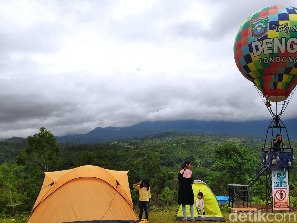 Wisata Balon Udara Ngehits di Puncak Tondongkura Pangkep