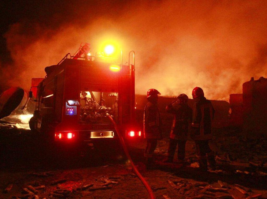 13 Orang Tewas Akibat Kebakaran Truk Tangki BBM di Kenya!