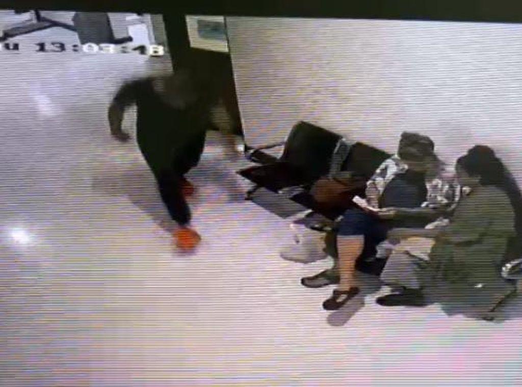 Terekam CCTV! Detik-detik Kaburnya WN Rusia Buron Interpol di Bali