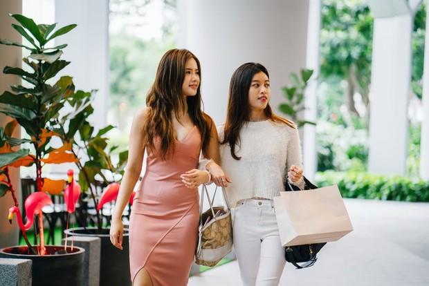 Belanja dengan teman