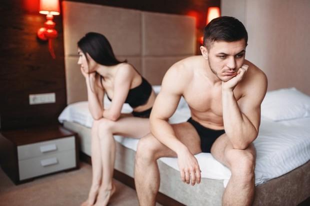 Satu penelitian kecil menunjukkan bahwa Rhodiola rosea dapat membantu masalah DE. Dalam penelitian tersebut, 26 dari 35 pria diberi 150 hingga 200 mg sehari selama tiga bulan. Mereka mengalami peningkatan fungsi seksual secara substansial.