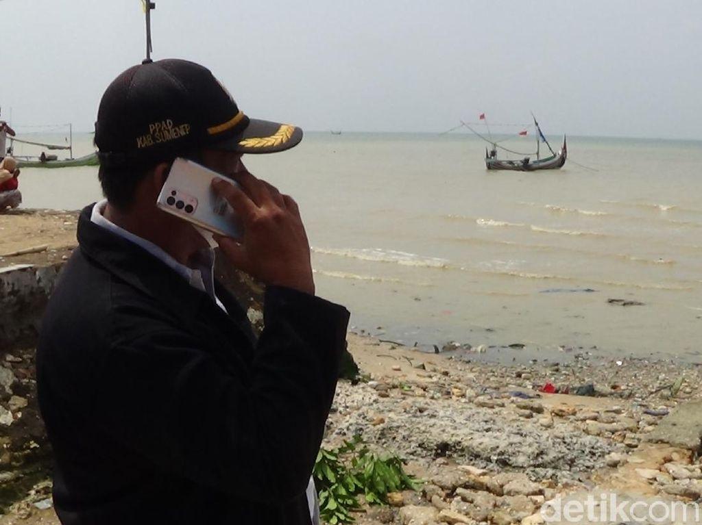 Kapal Nelayan Tenggelam Dihantam Gelombang Besar di Sumenep, 3 ABK Hilang