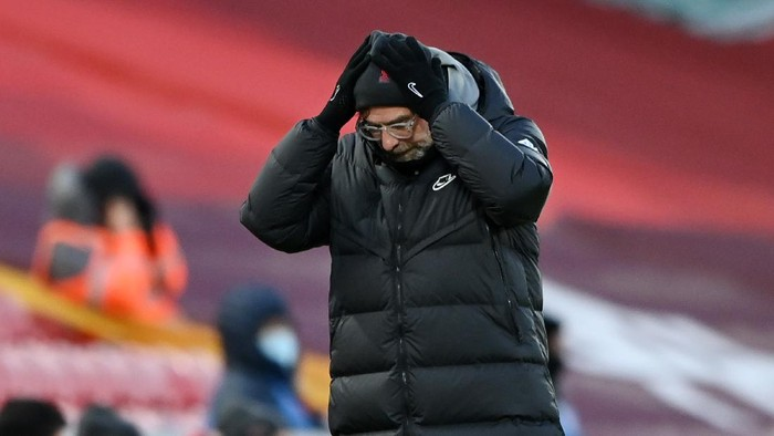 LIVERPOOL, ENGLAND - FEBRUARY 07: Jurgen Klopp, Manager of Liverpool reacts during the Premier League match between Liverpool and Manchester City at Anfield on February 07, 2021 in Liverpool, England. Sporting stadiums around the UK remain under strict restrictions due to the Coronavirus Pandemic as Government social distancing laws prohibit fans inside venues resulting in games being played behind closed doors. (Photo by Laurence Griffiths/Getty Images)