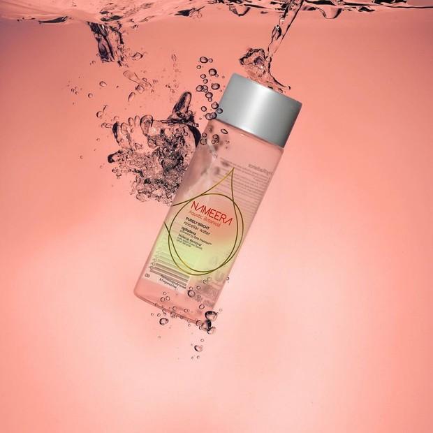 Nameera Purely Bright Micellar Water membersihkan makeup dan kotoran dengan baik/instagram.com/nameeraid