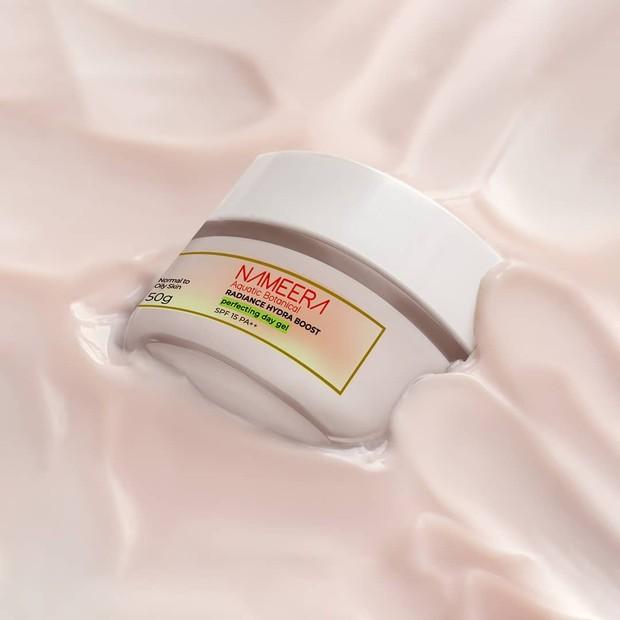 Nameera Radiance Hydraboost Perfector Day Gel SPF 15 PA++ diklaim mampu untuk membuat kulit lebih cerah merata/instagram.com/nameeraid