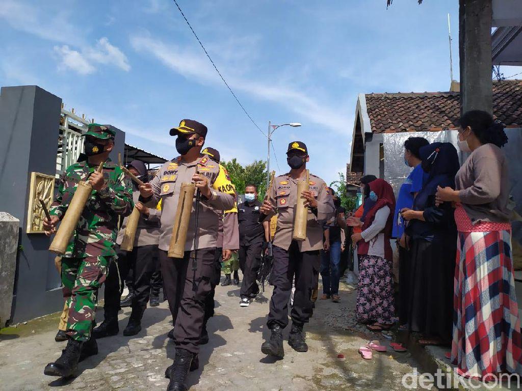 Patroli Kentongan Jadi Cara Edukasi Masyarakat di PPKM Mikro Mojokerto
