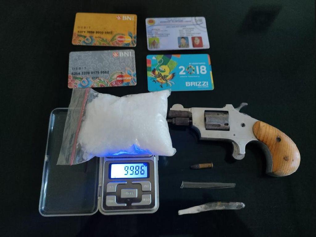 Amankan Pengedar Sabu di Sampang, Polisi Sita 1 Ons dan Pistol Rakitan