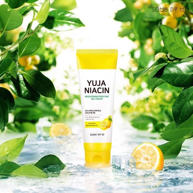 Jaga Kelembapan Kulit dengan Brightening Moisture Gel Cream