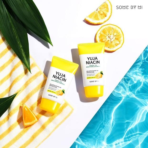 Lindungi Wajah dari Terpaan Sinar UV dengan Yuja Niacin Mineral 100 Brighten Suncream