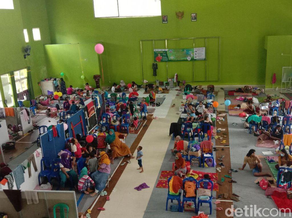 Curahan Hati Pengungsi Banjir yang Sudah 2 Pekan Ini Melanda Kudus