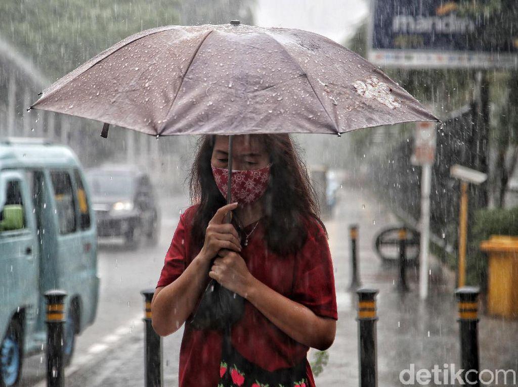 Jakarta Siang-Malam Diprediksi Hujan, Simak Rinciannya