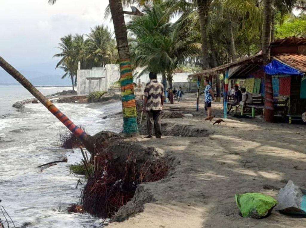 Bronjong Penahan Ombak Rusak, Puluhan Rumah di Palabuhanratu Terancam