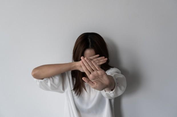 Dikarenakan enochlophobia bisa menyebabkan ketakutan yang intens, ini bisa menjadi tantangan untuk dilakukan meski kamu akan kesulitan terutama jika sering bertemu dengan orang banyak