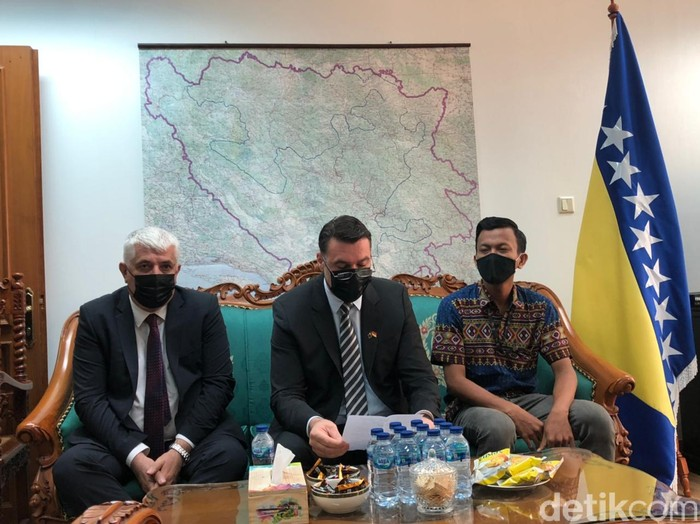 Dubes Bosnia dan agen Miftah Anwar Sani