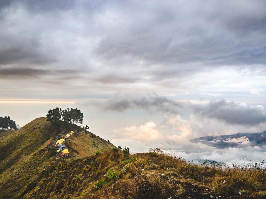 5 Gunung Terindah di Indonesia, Bisa Didaki Tahun Ini