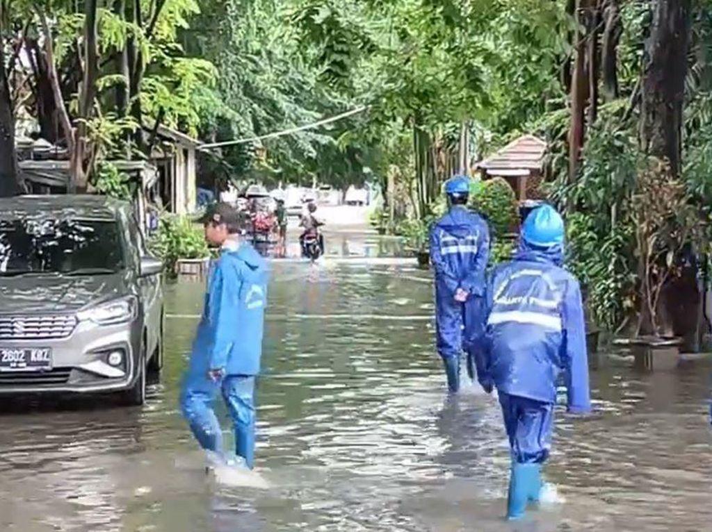 Jakarta Diguyur Hujan, Jalan Bujana Tirta Raya Pulogadung Banjir!