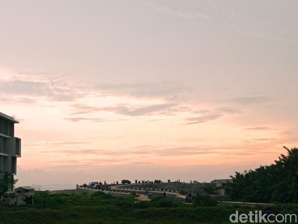 Foto: Jembatan Baru Buat Nikmati Sunset Cantik Pangandaran