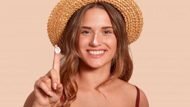 Kamu Bisa Dapatkan Hasil Maksimal, Hanya dengan Pemakaian Sunscreen Yang Benar Loh/Freepik.com