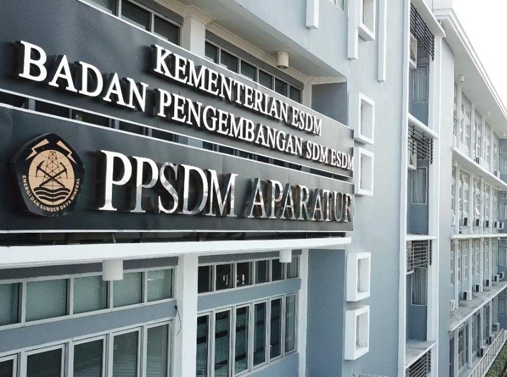Gandeng Unpad-Balai Bahasa, Kementerian ESDM Gelar Pelatihan KTI