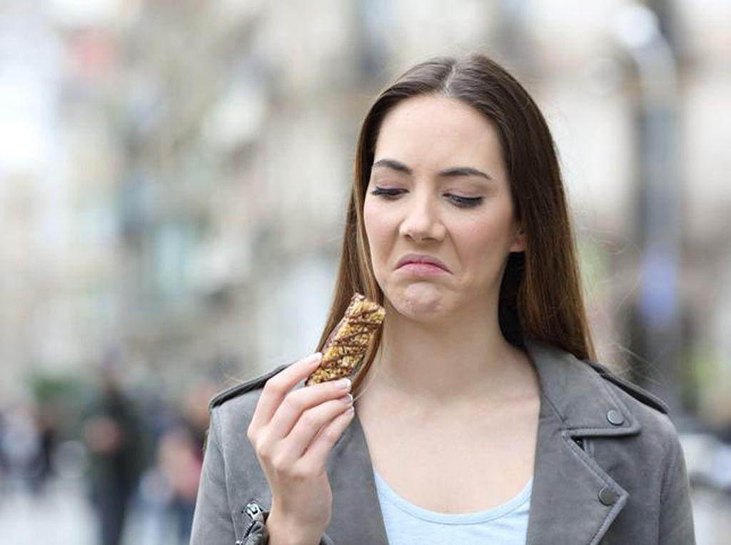 Gejala COVID-19 yang Berhubungan dengan Pencernaan dan Kebiasaan Makan