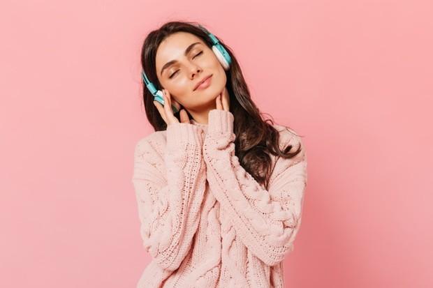 Mendengarkan Musik Sesuai Perasaan