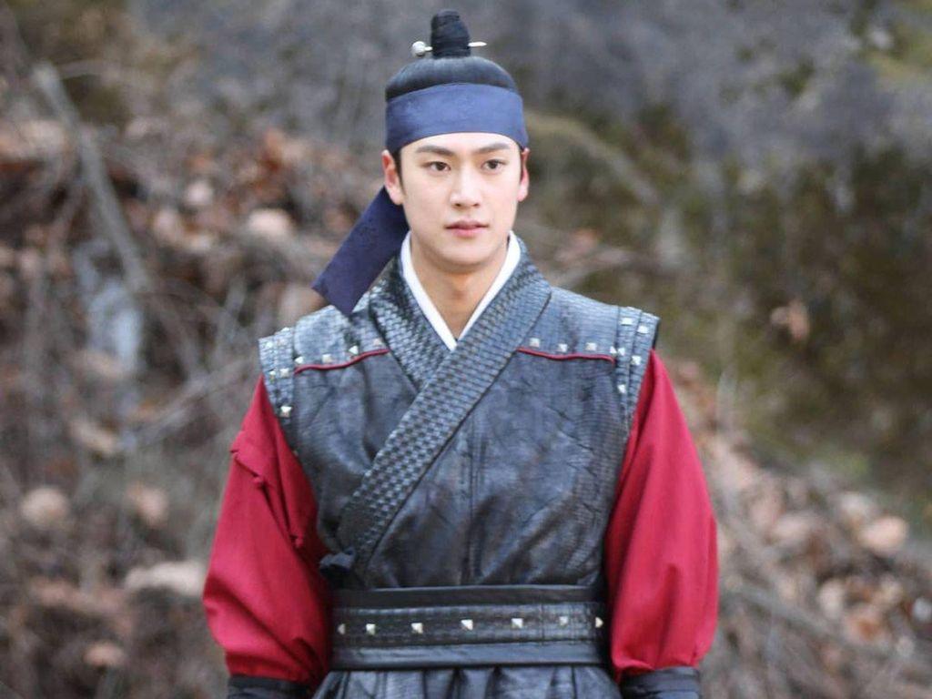 6 Fakta Menarik Aktor Na In Woo, Pemeran Kim Byeong In di Mr. Queen