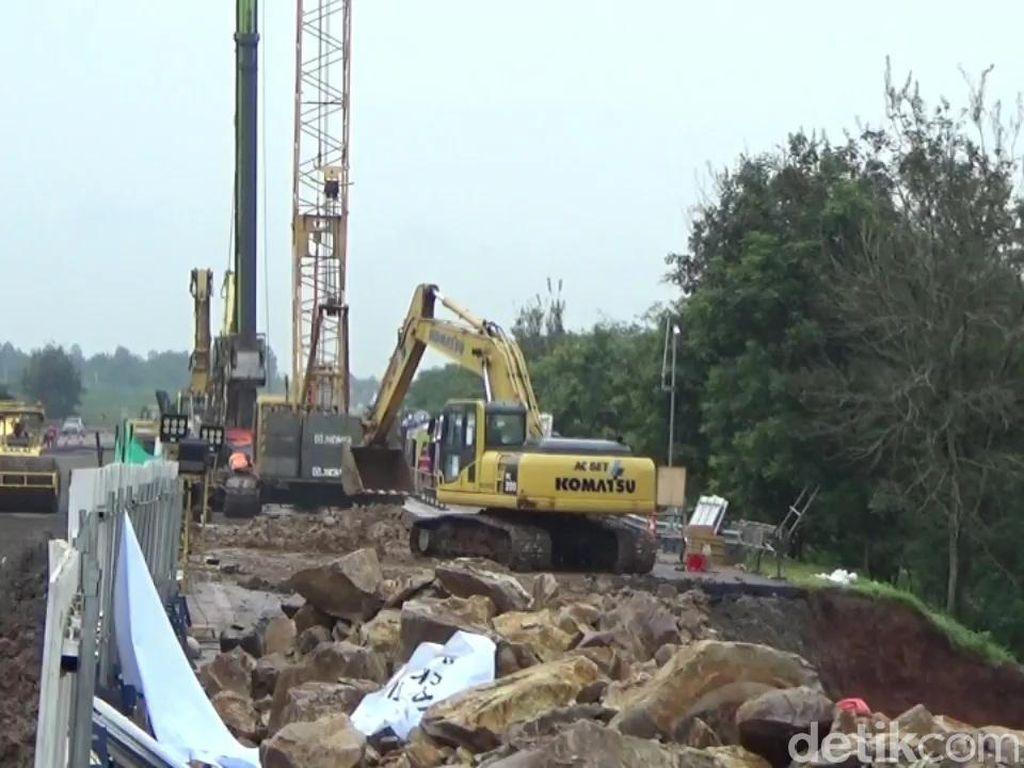 Perbaikan Jalan Ambles di Tol Cipali Terkendala Cuaca