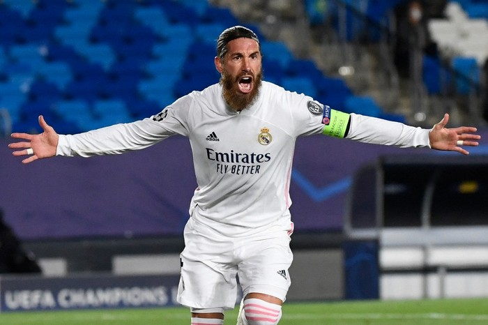 Real Madrid's Spanish defender Sergio Ramos celebrates his goal during the UEFA Champions League group B football match between Real Madrid and Inter Milan at the Alfredo di Stefano stadium in Valdebebas, on the outskirts of Madrid, on November 3, 2020. (Photo by PIERRE-PHILIPPE MARCOU / AFP)