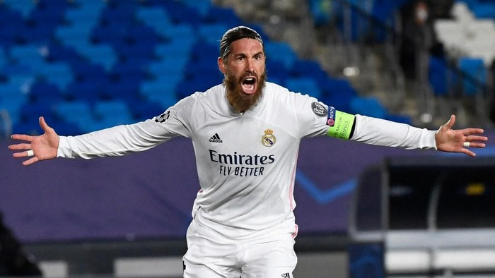 Real Madrids Spanish defender Sergio Ramos celebrates his goal during the UEFA Champions League group B football match between Real Madrid and Inter Milan at the Alfredo di Stefano stadium in Valdebebas, on the outskirts of Madrid, on November 3, 2020. (Photo by PIERRE-PHILIPPE MARCOU / AFP)