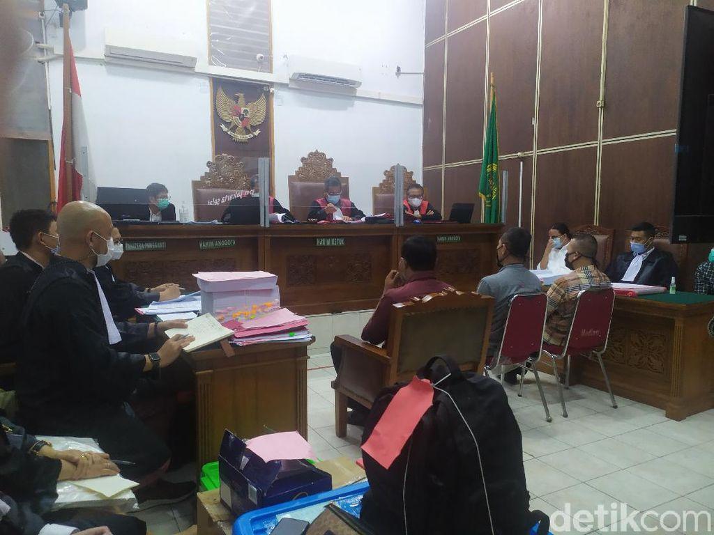 Hakim Cecar Pamdal soal Tukang Renovasi di Lantai 6 Gedung Kejagung