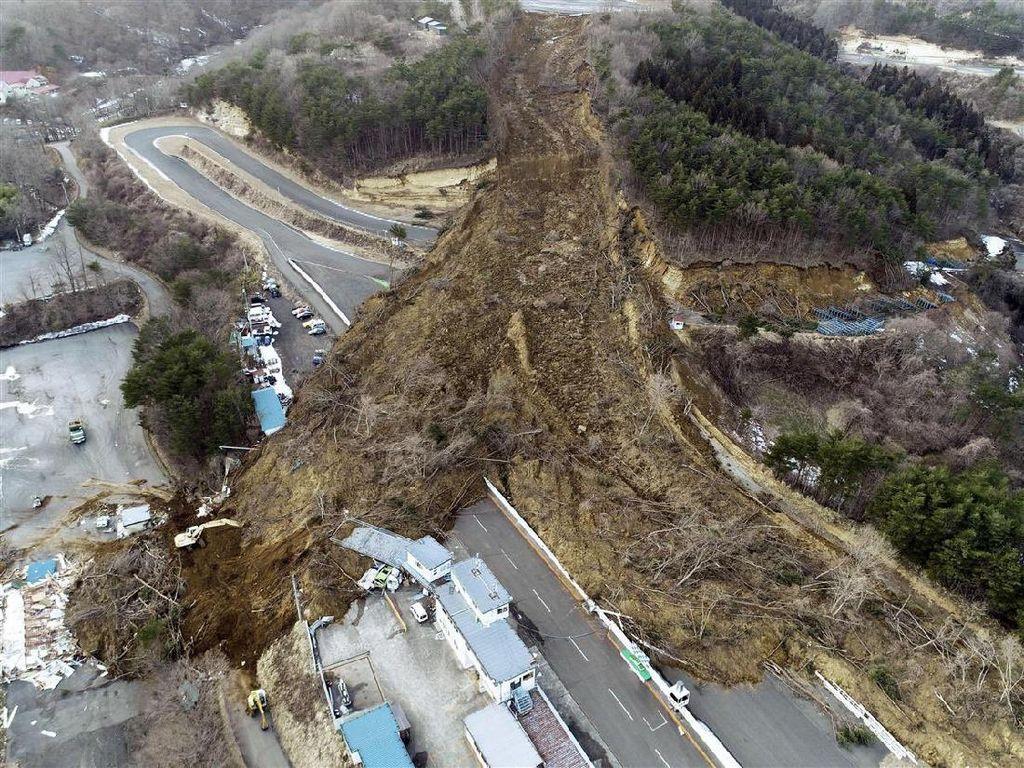 Sirkuit Ikonik di Jepang Terkubur Setelah Gempa M 7,1