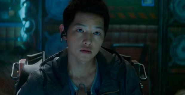 Song Joong Ki dalam Space Sweepers