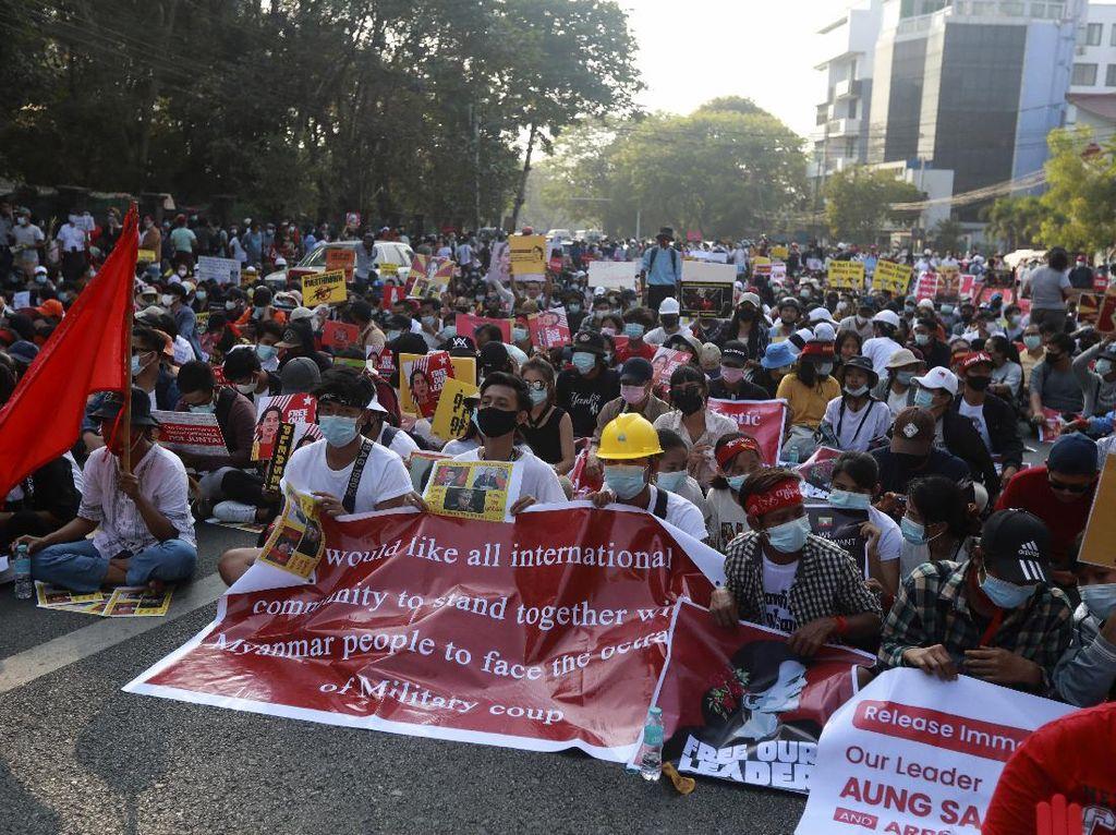 PBB Ingatkan Militer Myanmar Jangan Lakukan Kekerasan terhadap Demonstran