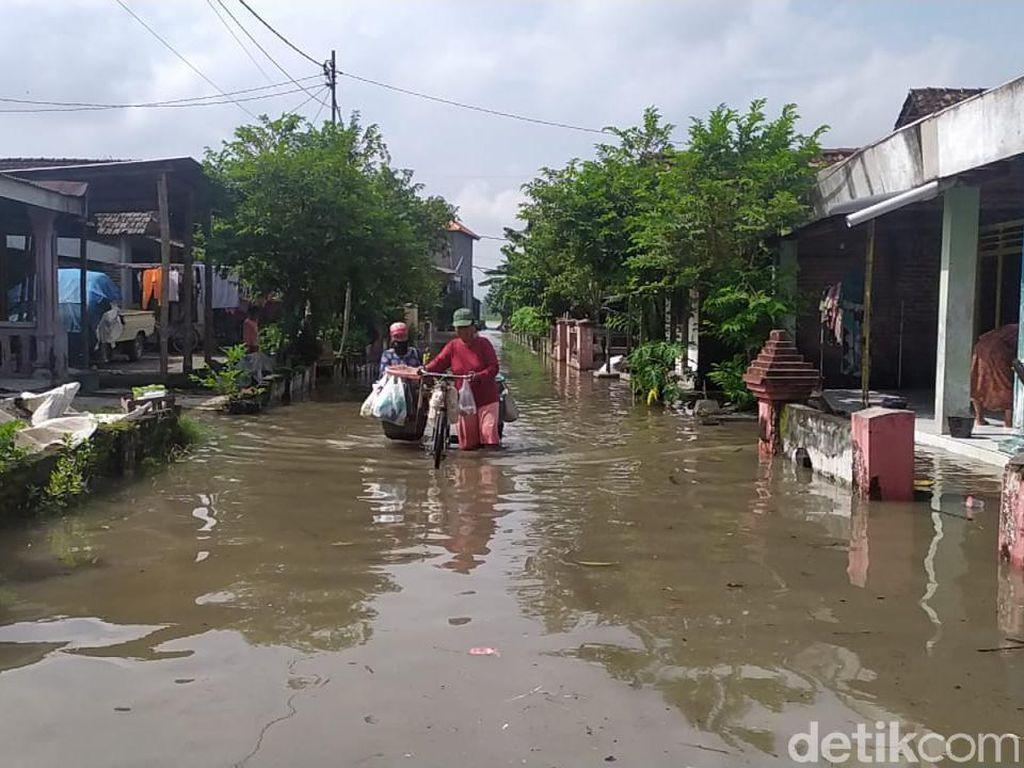 Banjir dan Puting Beliung Terjang Satu Desa di Mojokerto, Puluhan Rumah Rusak