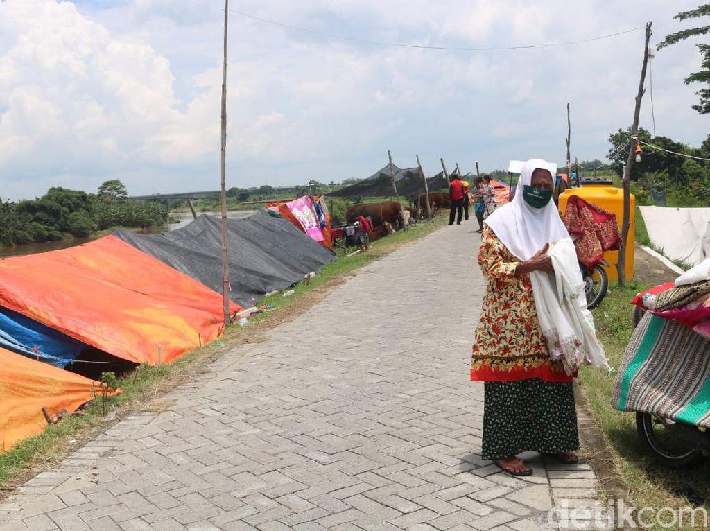Banjir Masih Kepung 4 Desa di Jombang, Logistik 636 Pengungsi Menipis