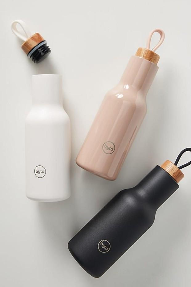 Bawa botol minum sendiri untuk kurangi limbah botol plastik