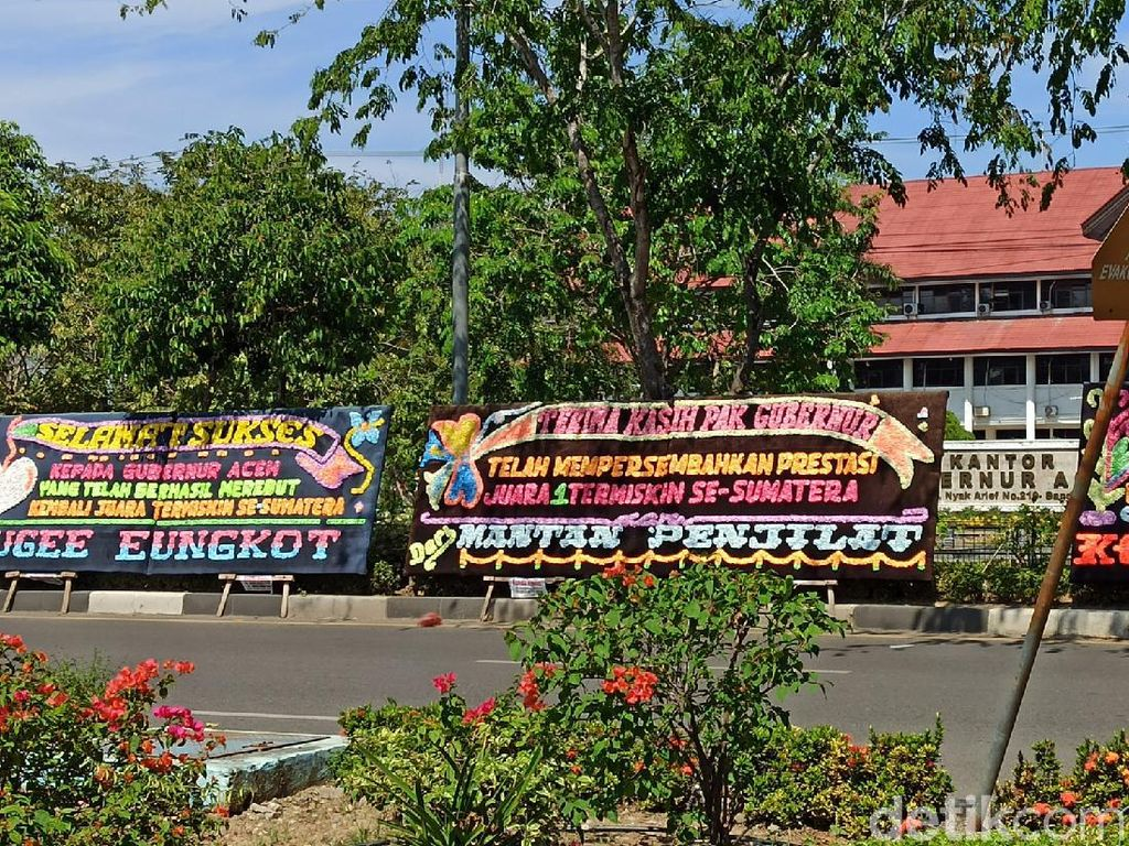 Alasan Warga Kirim Karangan Bunga Aceh Juara Termiskin di Sumatera