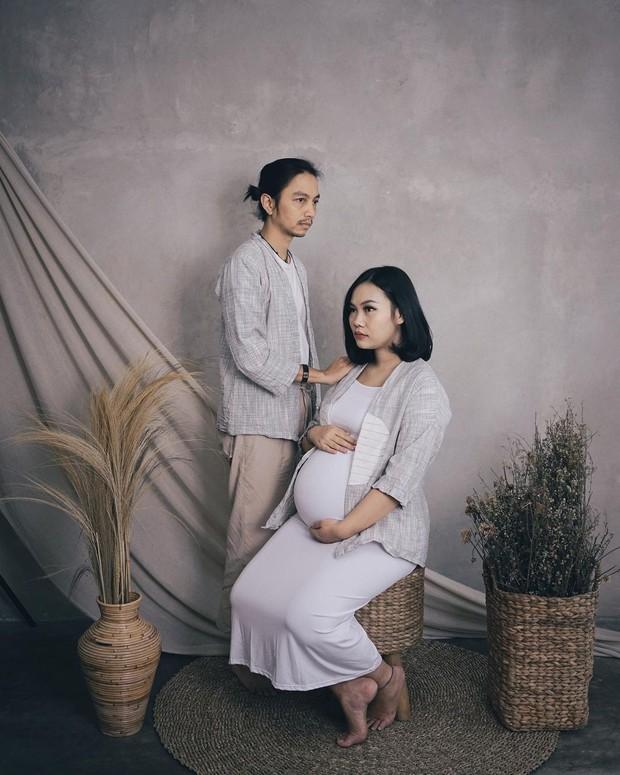 Fiersa dan istri