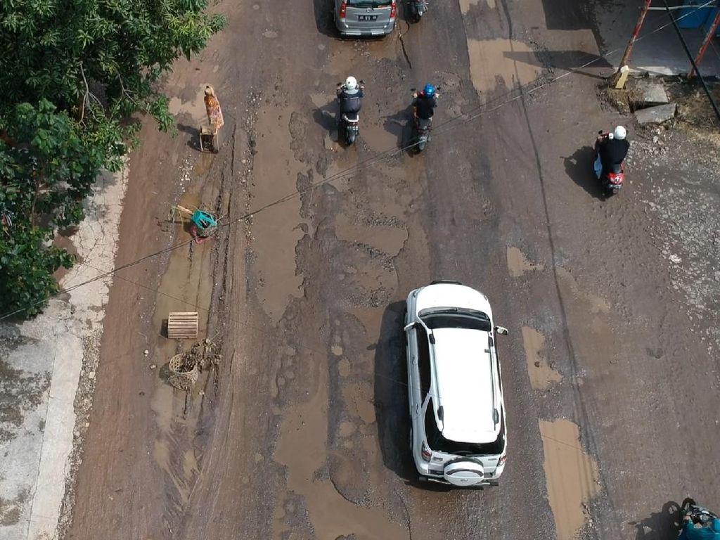 Dijuluki Jeglongan Sewu, Lubang-lubang Menganga di Jalan Solo-Purwodadi