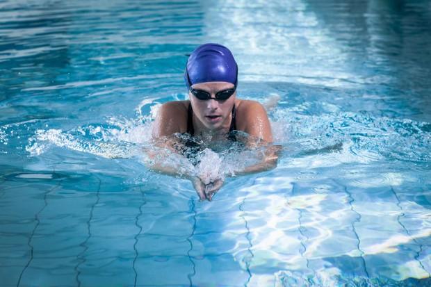 Berenang adalah non weight baering yang menjadikannya cara bagus untuk pulih.