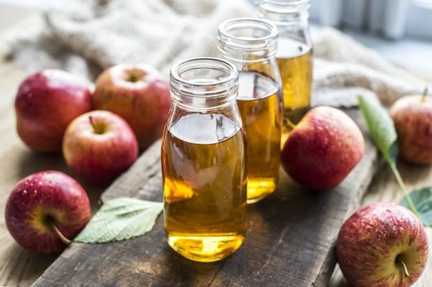 Apel mengandung gula alami tetapi tidak bisa dicerna tubuh.