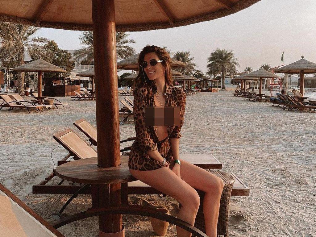 Foto: Liburannya Francesca Sofia, Kekasih Valentino Rossi