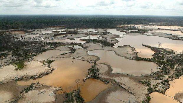 """""""sungai"""" emas ilegal"""