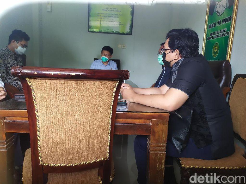 Raffi Ahmad Tak Hadir, Mediasi Gugatan Party Usai Divaksinasi Tertutup