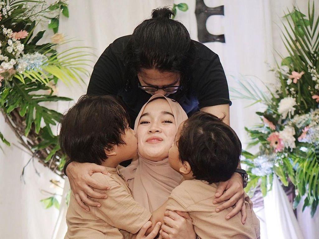 Resmi Bercerai, Ririe Fairuz Tak Minta Apapun dari Ayus Sabyan